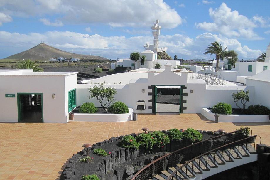 884 Вулканические виноградники острова Лансароте
