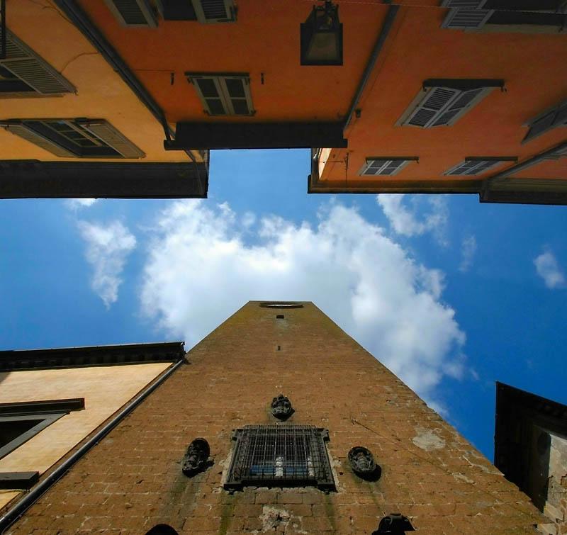 9126 Небо в архитектурной рамке