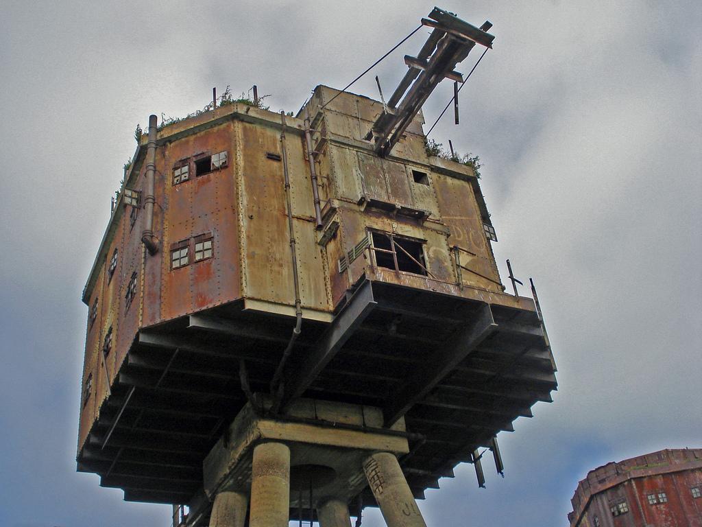999 Британские морские форты