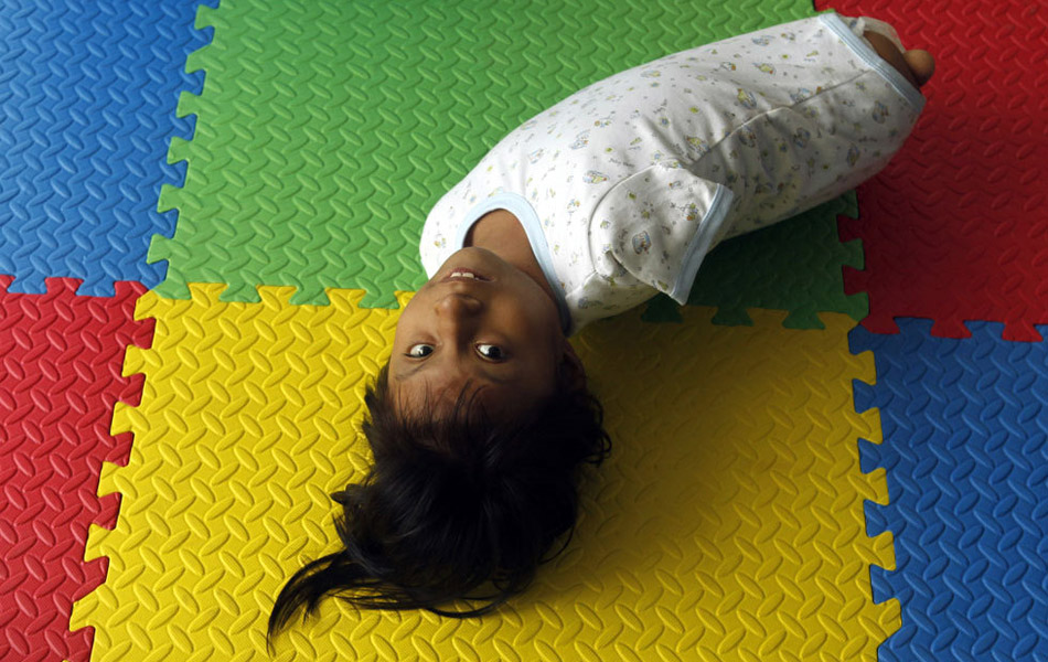 Img327561448 Жизнерадостная девочка инвалид из Перу