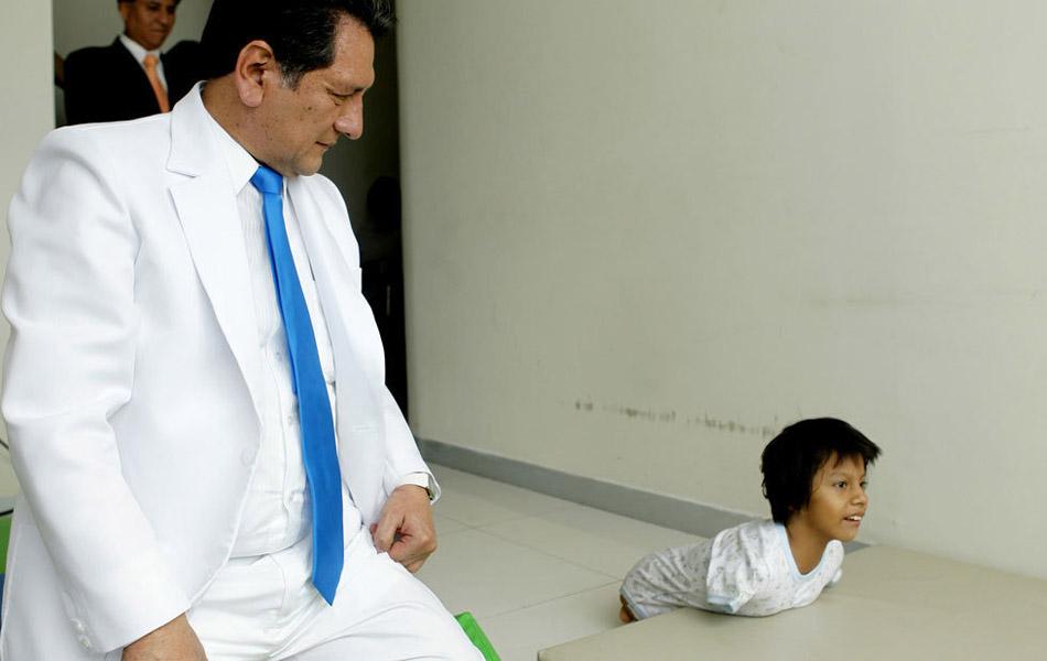Img327561451 Жизнерадостная девочка инвалид из Перу