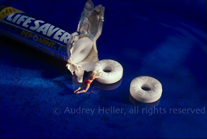 Lifesaver Занятные миниатюры Одри Хеллер