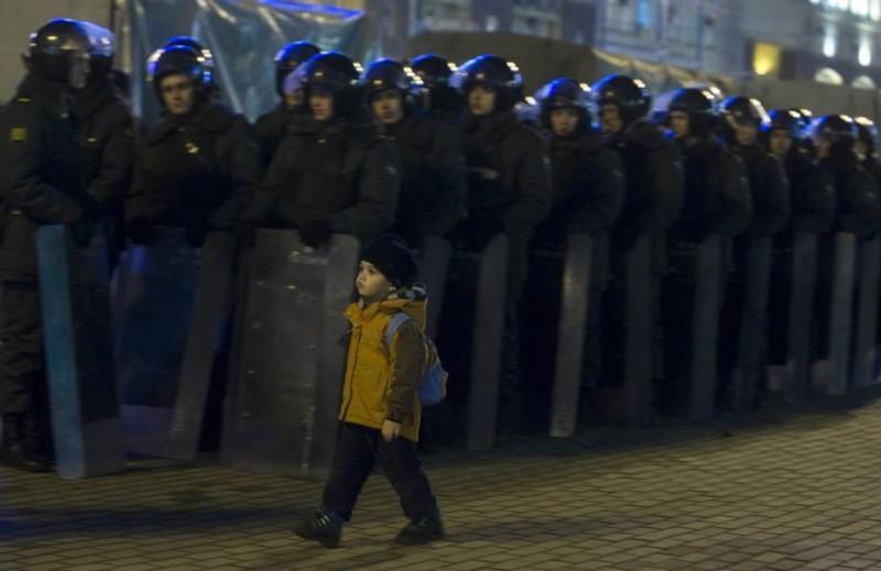 http://bigpicture.ru/wp-content/uploads/2011/12/miting-800x519.jpg