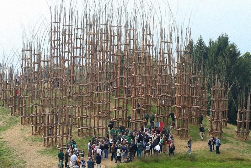 0162 Храм из растущих деревьев в Италии