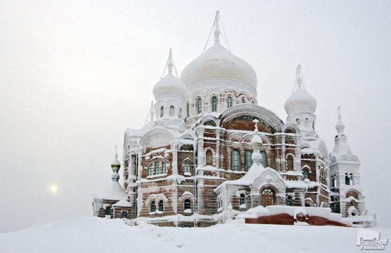 0472 Лучшие фотографии России 2011. Номинация Архитектура