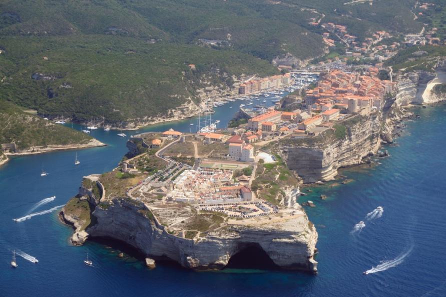 1058 Жизнь на краю обрыва — скальные города Европы