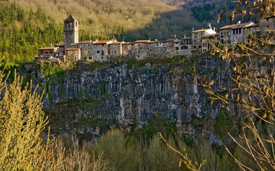 1185 Жизнь на краю обрыва — скальные города Европы