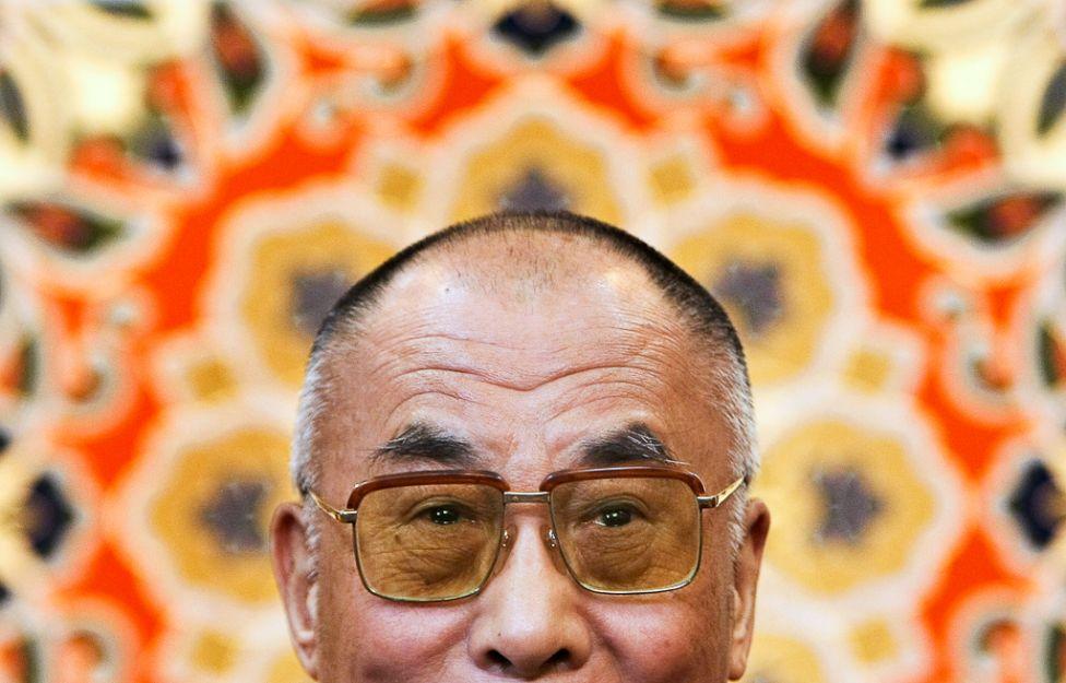 1202 Все лица Далай ламы: духовный лидер, политик, изгнанник