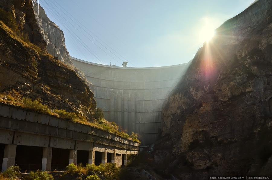 1233 Чиркейская ГЭС   самая высокая арочная плотина в России