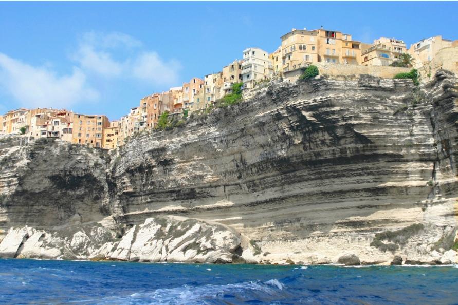 1249 Жизнь на краю обрыва — скальные города Европы