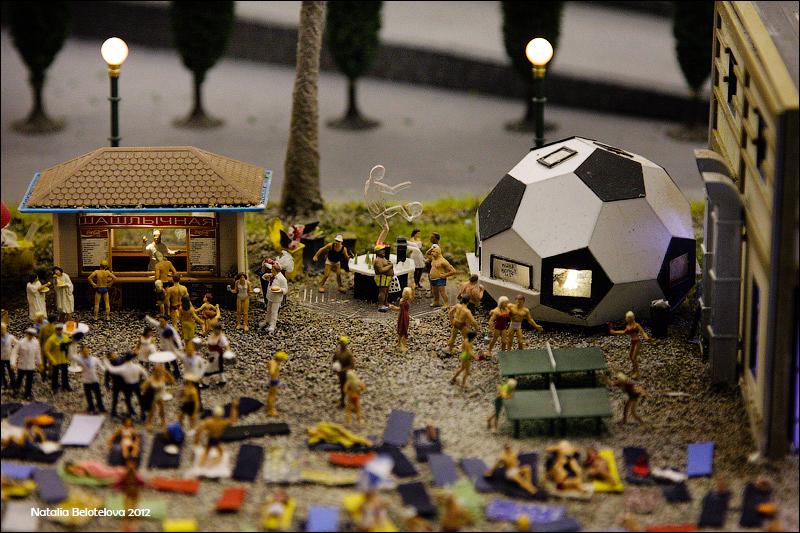 1329 Путешествие в игрушечную Россию: Гранд Макет на январь 2012