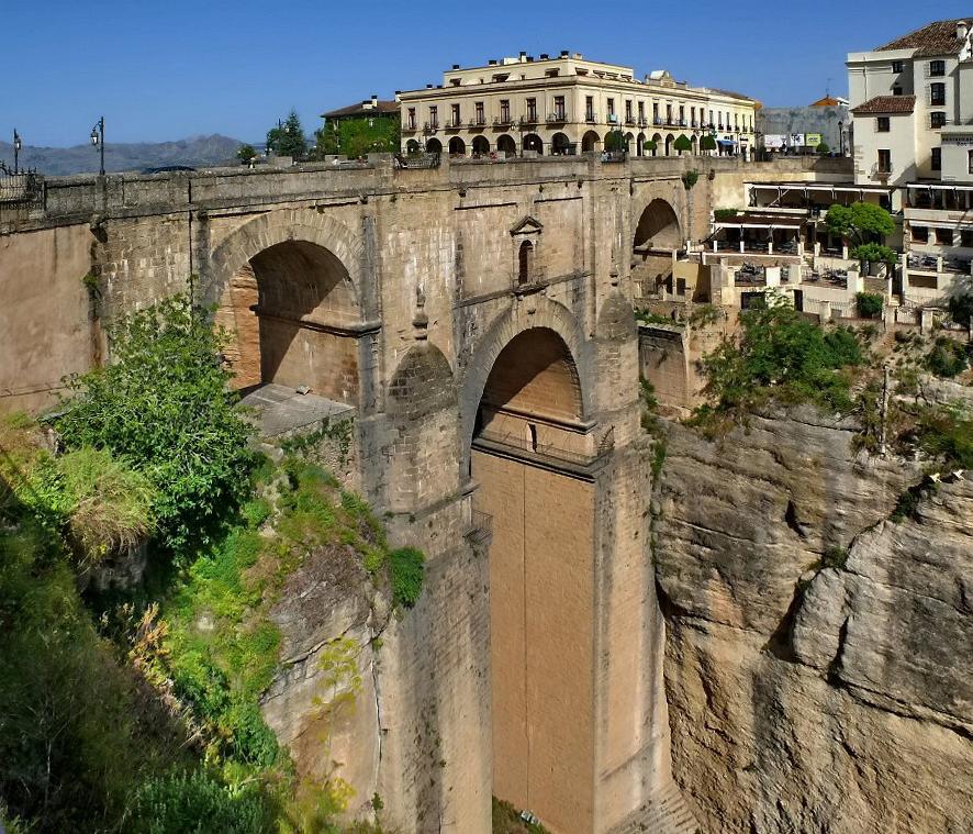 1545 Жизнь на краю обрыва — скальные города Европы