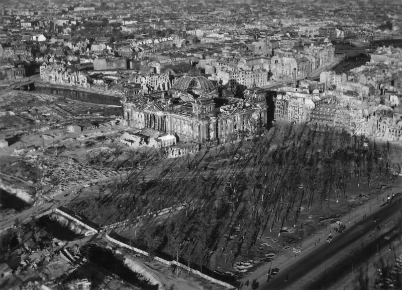 1638 20 впечатляющих фото послевоенного Берлина с высоты птичьего полета