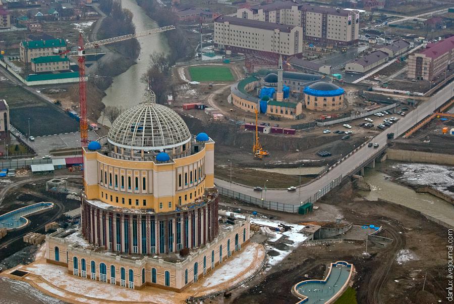 1868 Грозный Сити: Выше крыши