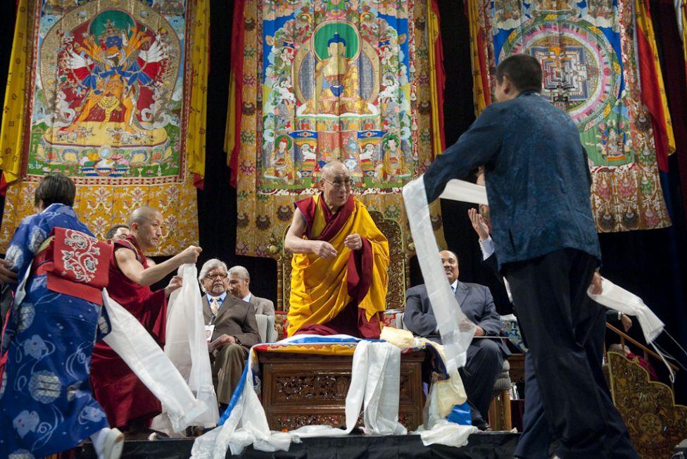 1942 Все лица Далай ламы: духовный лидер, политик, изгнанник