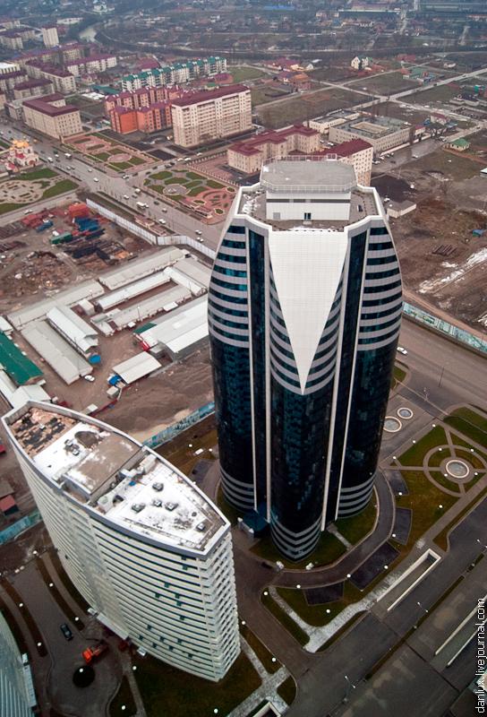 1966 Грозный Сити: Выше крыши