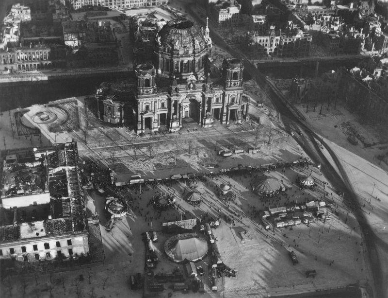 2029 20 впечатляющих фото послевоенного Берлина с высоты птичьего полета