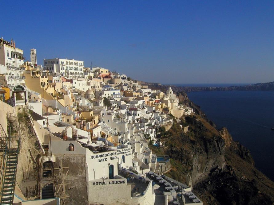 2156 Жизнь на краю обрыва — скальные города Европы
