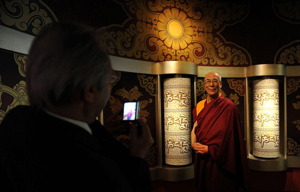 2171 Все лица Далай ламы: духовный лидер, политик, изгнанник