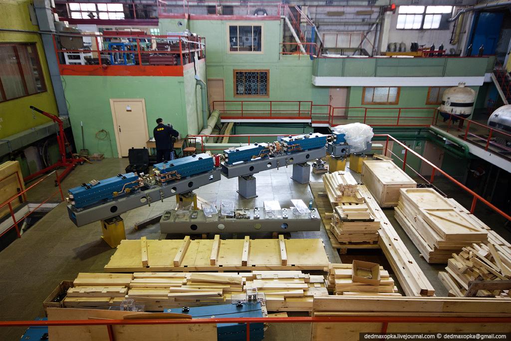 2176 Институт Ядерной Физики (ИЯФ СО РАН)