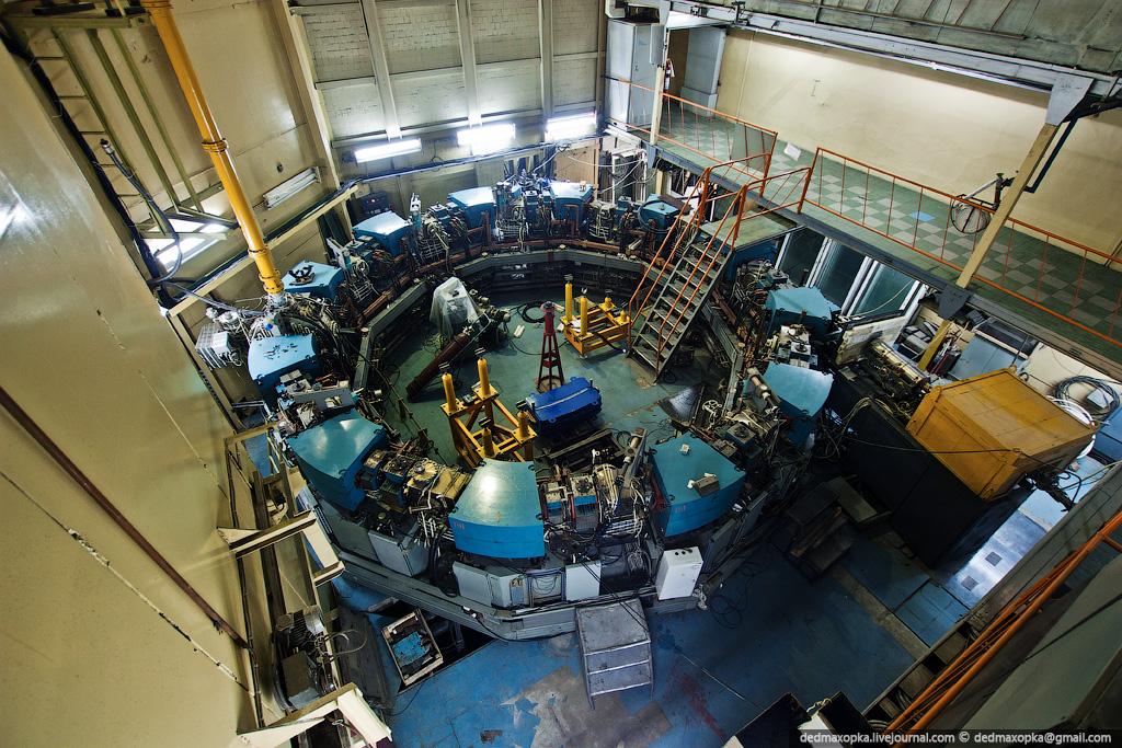 2527 Институт Ядерной Физики (ИЯФ СО РАН)