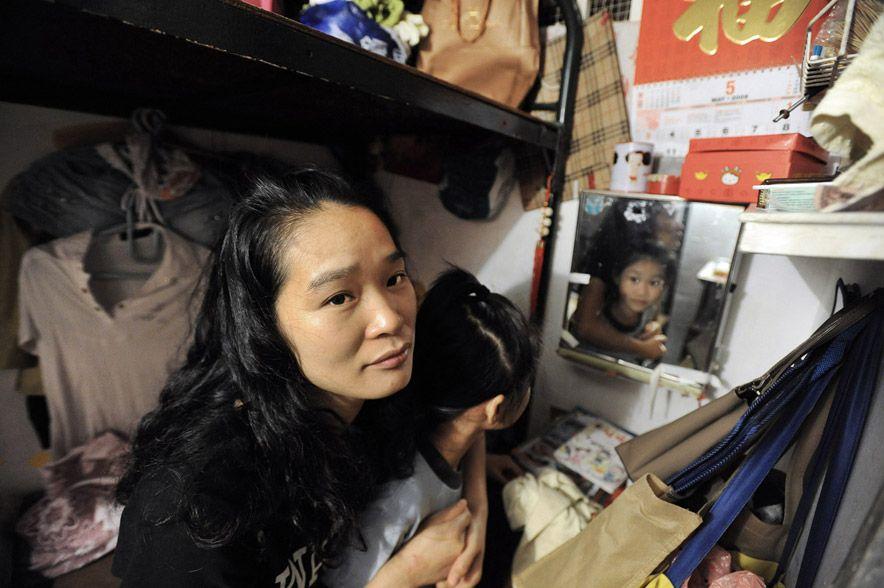 3127 Жизнь в собачьих клетках в Гонконге