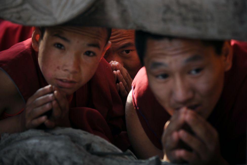 3143 Все лица Далай ламы: духовный лидер, политик, изгнанник