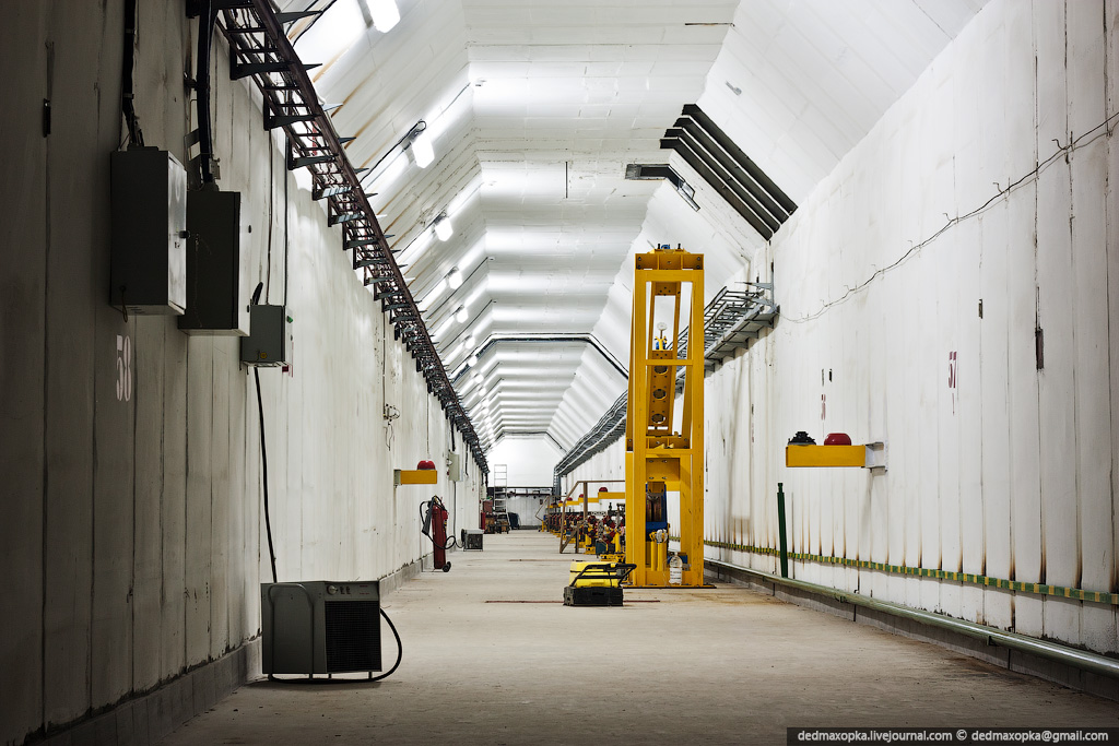 3321 Институт Ядерной Физики (ИЯФ СО РАН)