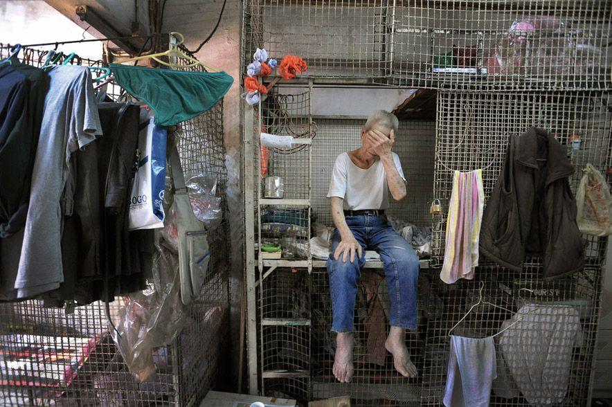 568 Жизнь в собачьих клетках в Гонконге
