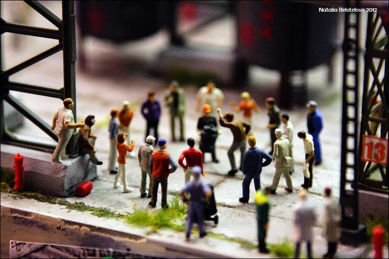 6211 Путешествие в игрушечную Россию: Гранд Макет на январь 2012