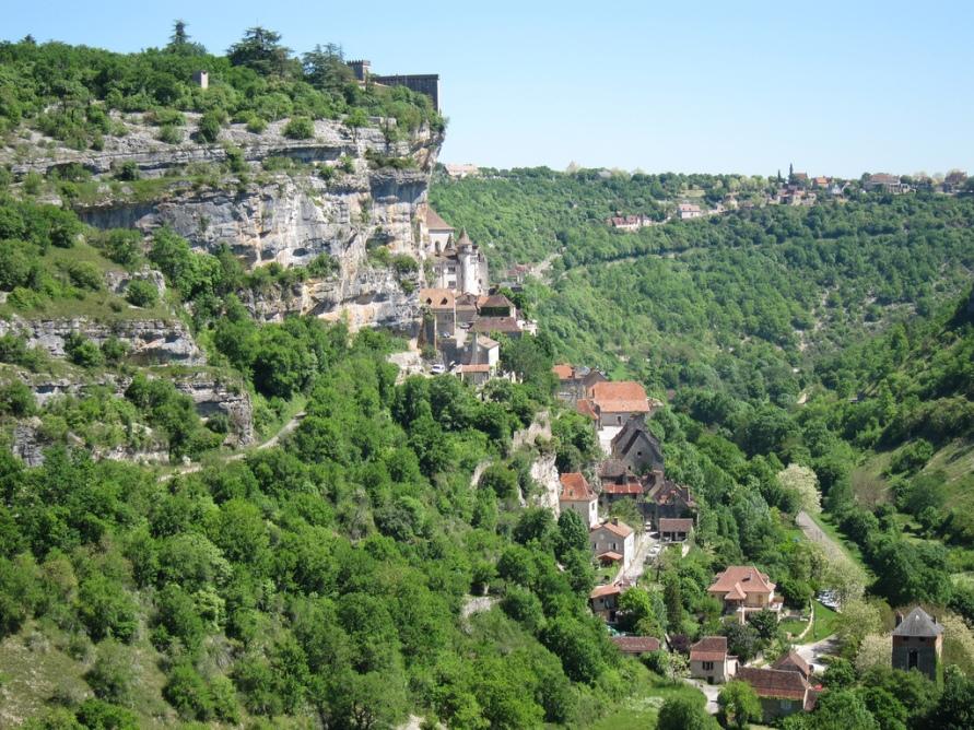 676 Жизнь на краю обрыва — скальные города Европы