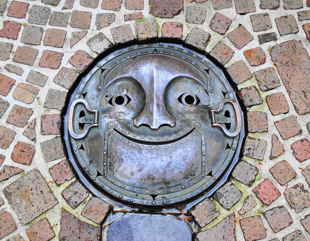 9101 Необычный уличный арт: Канализационные люки из Японии