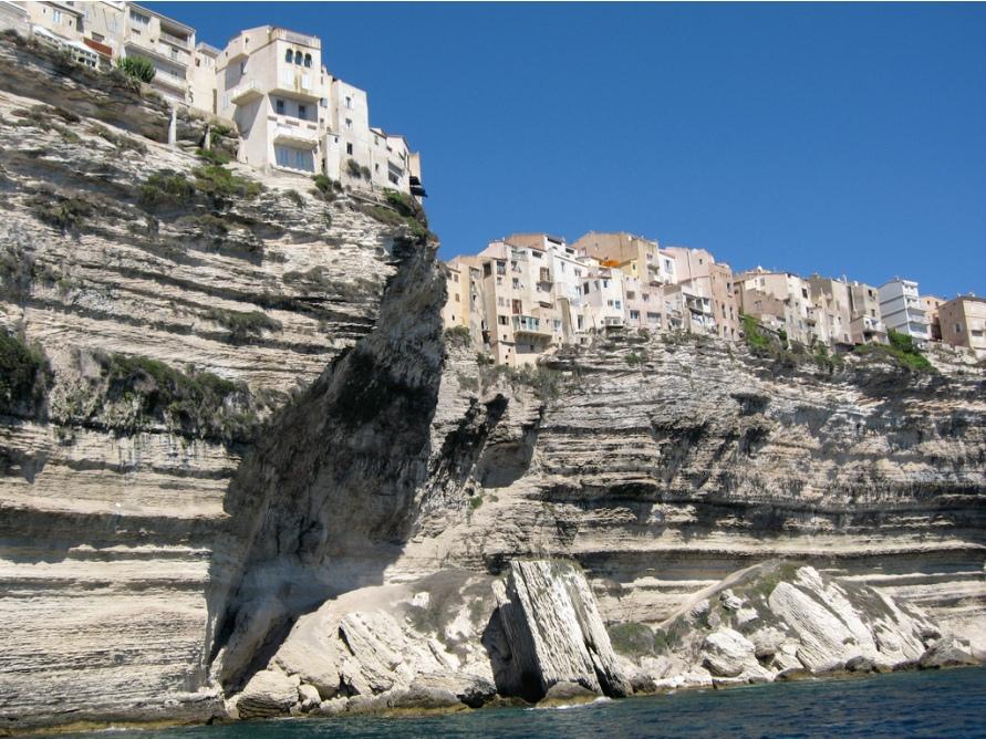 955 Жизнь на краю обрыва — скальные города Европы