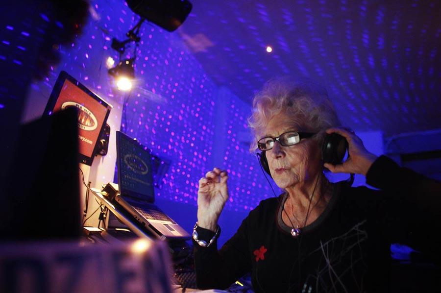 DJ Wika 1 DJ Wika Szmyt: 73 летняя диджей из Польши