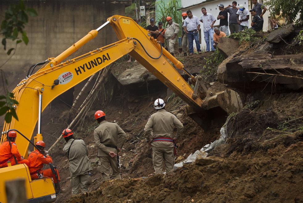 brazil floods 03 Разрушительный оползень в Бразилии