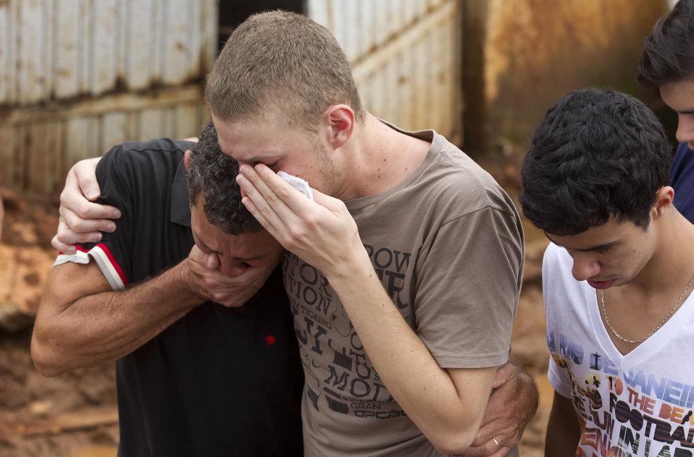 brazil floods 15 Разрушительный оползень в Бразилии