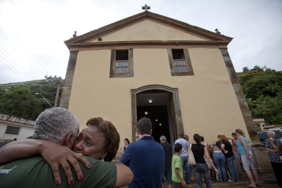 brazil floods 17 Разрушительный оползень в Бразилии