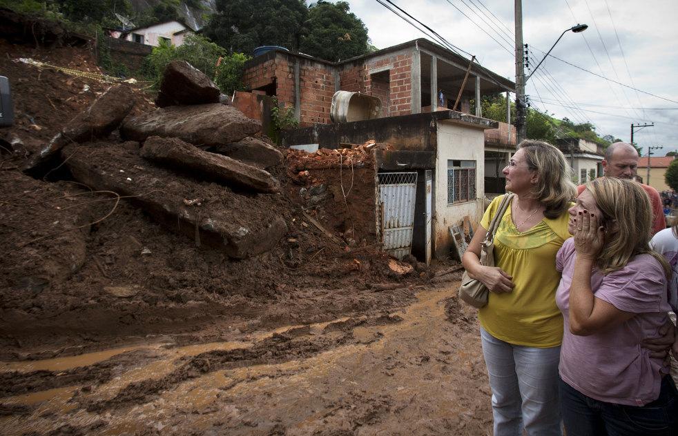brazil floods 19 Разрушительный оползень в Бразилии