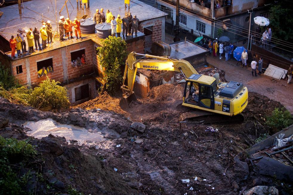 brazil floods 25 Разрушительный оползень в Бразилии