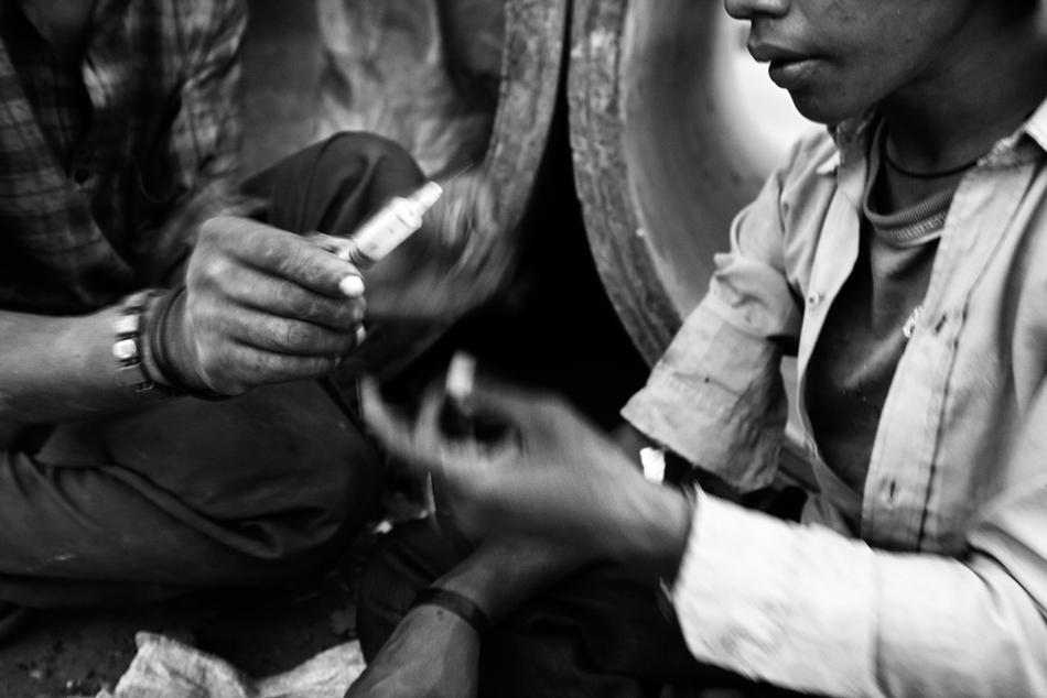 deathfor50rupees027 Наркомания в Индии: смерть по 50 рупий