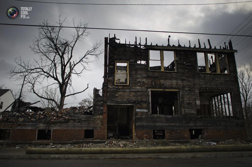 detroit 038 Детройт не работает