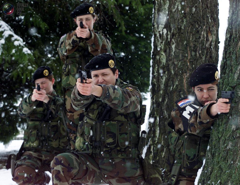 female20 Женщины военные из разных стран мира