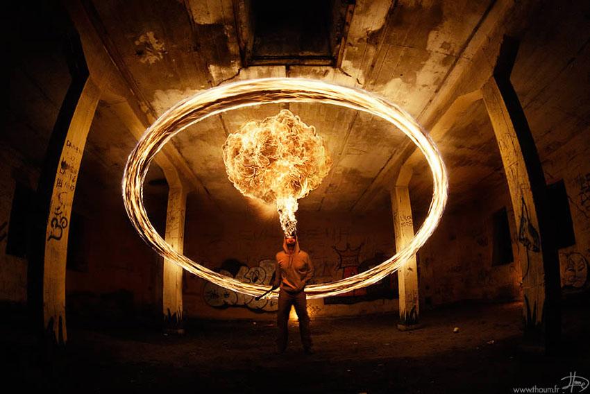 fireshow02 Стихия огня на фото Тома Лакоста