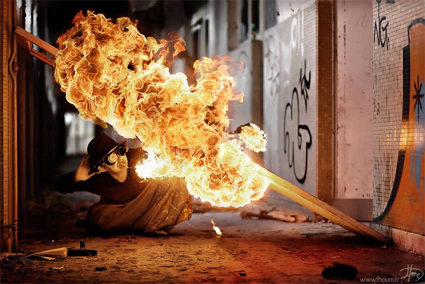 fireshow04 Стихия огня на фото Тома Лакоста