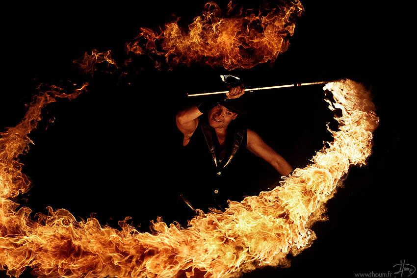 fireshow08 Стихия огня на фото Тома Лакоста