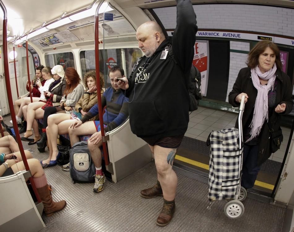 nopants11 В метро без штанов 2012