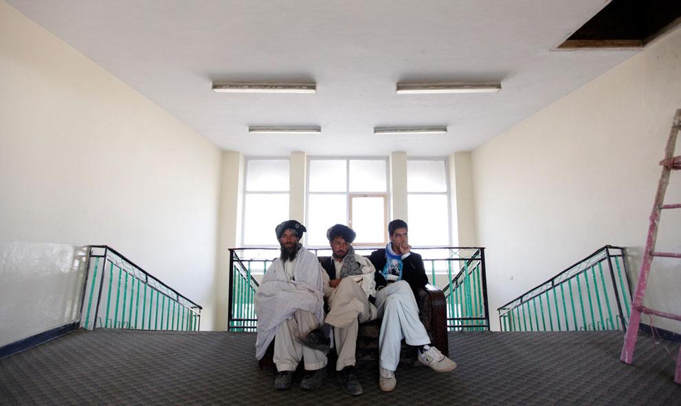 s a03 RTR2UL0B Фото из Афганистана за декабрь 2011 года