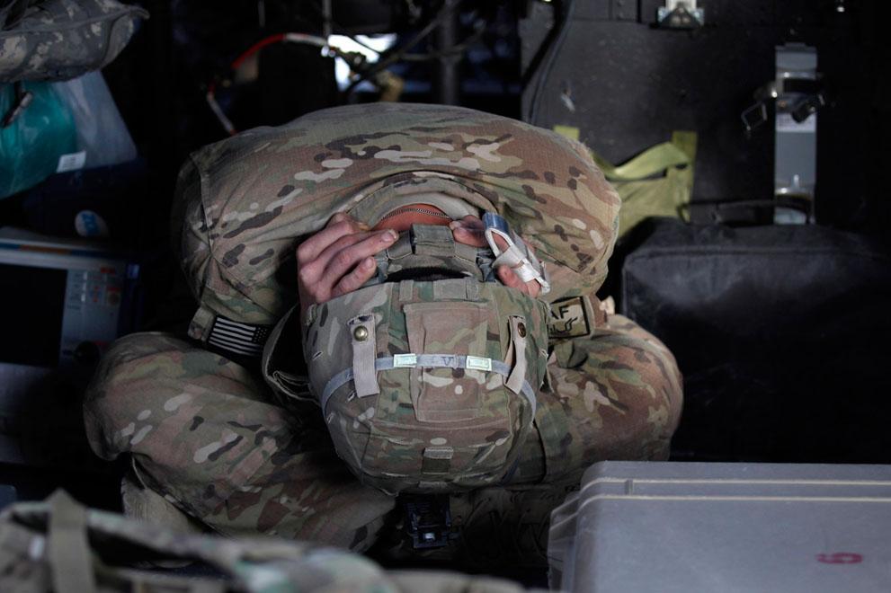 s a25 RTR2UAG4 Фото из Афганистана за декабрь 2011 года