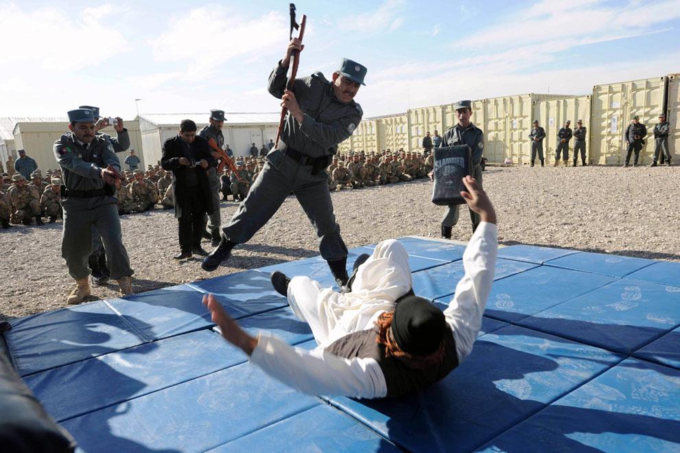 s a33 36067027 Фото из Афганистана за декабрь 2011 года
