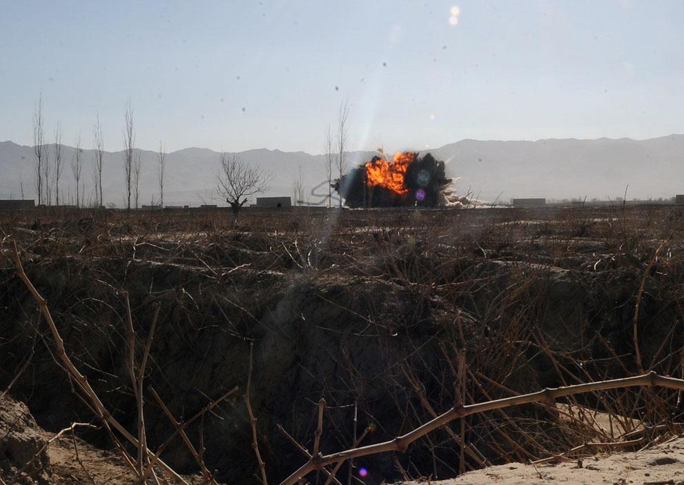 s a34 00504734 Фото из Афганистана за декабрь 2011 года